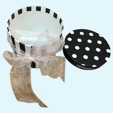 Madame Alexander Cissy Black and White Hat Box