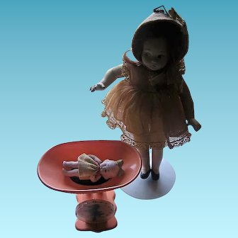 Miniature Working Scale for Small Dolls or Dollhouse