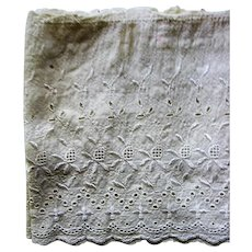 Antique Eyelet Wide Lace for Projects