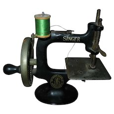 Rare Antique First Model 20-1 Toy Singer Sewing Machine Introduced in 1910