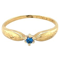 14K Yellow Gold Round cut Blue Topaz Ring