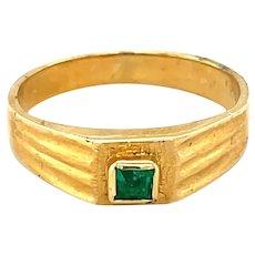 18K Yellow Gold Princess cut Emerald Signet Ring