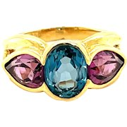 18K Yellow Gold Oval Blue and Pink Topaz Ring