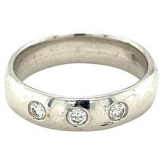 Platinum/18K White Gold Round cut Diamond Band