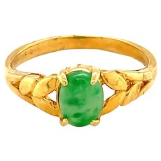 22K Yellow Gold Oval cut Jade Ring