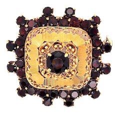 18K Yellow Gold Garnet Brooch