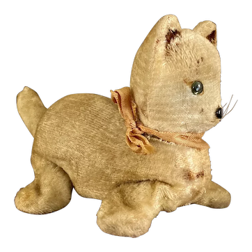 Rare wind-up cat with a butterfly