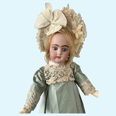 Marvelous mint-green silk dress with matching bonnet for your French Bebe