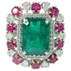 Set in 18 Karat Gold, Natural Emerald and Unheat Ruby Ring with Diamonds