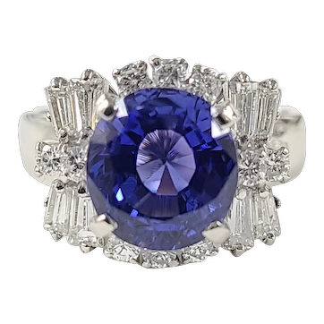 Set in Platinum PT 900 Blue sapphire ring with diamonds