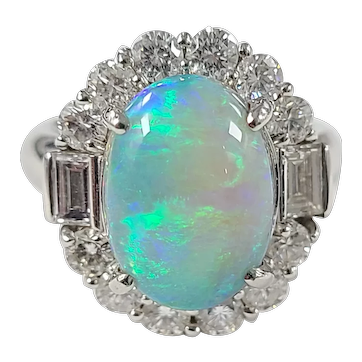 Set in platinum PT 900 Australian opal ring
