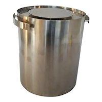 """Arne Jacobsen """"Cylinda""""  Ice Bucket"""