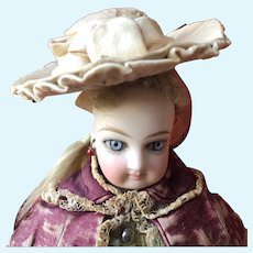 Classy Chapeau for French Fashion Poupee