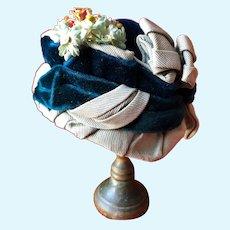 Fabulous antique chapeau for French Poupée in size 4
