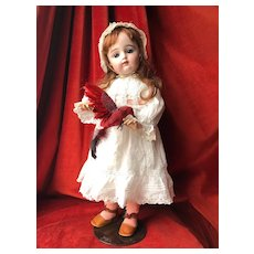 Sweet French Bébé doll FG in scroll in size 10