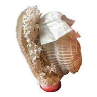 Elegant Sunday chapeau for medium sized French bébé