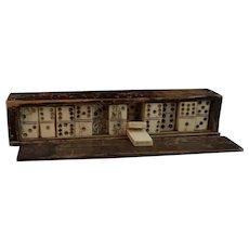 Antique Georgian bone dominoes, boxed
