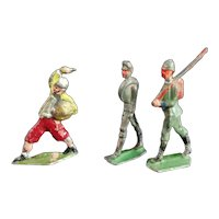 Early vintage flat lead soldiers