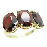 Vintage Italian 18Ct Yellow Gold 5.4 CTW Garnet Trilogy Ring, Size L