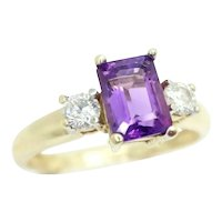 Attractive 9ct Yellow Gold 1Ct Amethyst & CZ Accent Ring, Size O