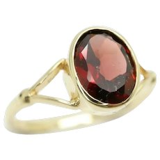 Stunning 14Ct Gold 1 Ct Solitaire Garnet Dress Ring, Size M