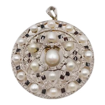 An Art Deco period interchangeable pendant/brooch made of natural pearl, diamond, onyx, platinum