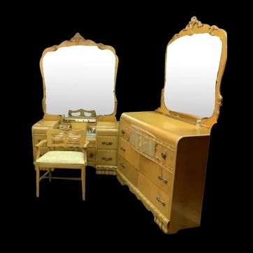 Vintage 5-piece Waterfall Bedroom Set Louis XV mirrors influences