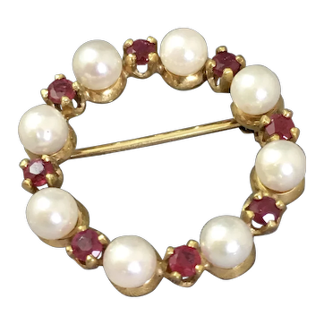 Vintage 9ct Yellow Gold Ruby & Cultured Pearl Brooch.