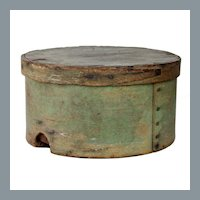 Antique 1800's J. Burr Hingham, MA Oval Pantry Box in Original Apple Green Paint