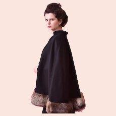 Vintage , Cape Black Wool / Wool Blend , Wide genuine Fox fur trim