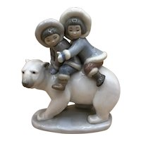 "Lladro #5353 ""Eskimo Riders"" Inuit Children on a Polar Bear no box MINT"