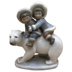 "Lladro #5353 ""Eskimo Riders"" Inuit Children on a Polar Bear no box MINT"