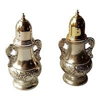 TOWLE Old Master Silver Plated Salt and Pepper Shaker - New in Box