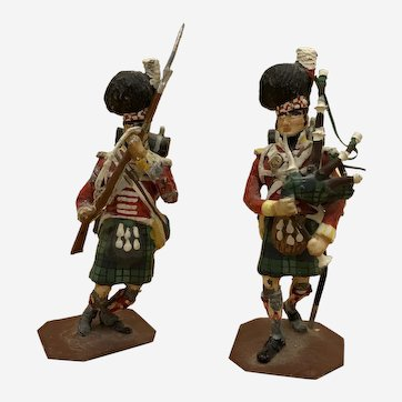 2 Military Figures Hand-Painted The Argyll & Sutherland Highlanders