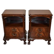 1920 Pair of Antique Chippendale Mahogany Nightstands / bedside tables