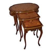 1910s Antique French walnut inlaid set of 3 nesting tables