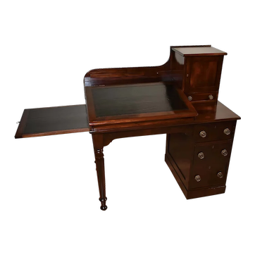 1820s Antique English Hepplewhite Flame Mahogany Black Leather top bankers desk