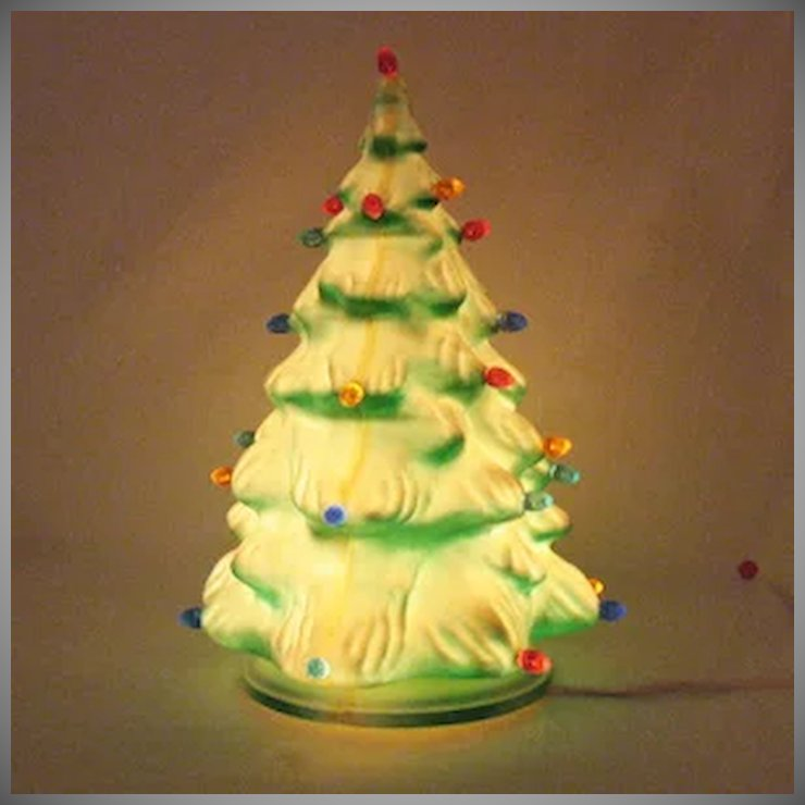 vintage molded plastic christmas tree with 27 prisms lights 1950 60s very good vintage condition