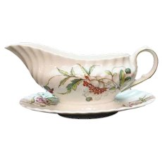 Vintage Royal Doulton fine bone china Gravy Boat & Liner Clovelly Pattern Excellent Condition