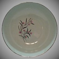 Vintage Universal Pottery Co. 9 Inch Round Vegetable Bowl Straw Flower Pattern 1934-56 Good Condition