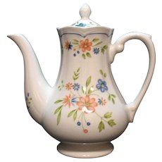 Vintage Federalist Ironstone Coffee Pot with Floral Motif 1960-70s Very Good Condition