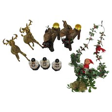 Vintage Various 8 Pieces Christmas Decorations Displays Tree Ornaments 1950-60s Good Condition