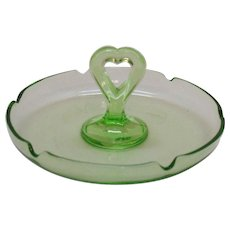Vintage Green Depression glass Bon Bon/Nut/Candy Dish Tray Heart Shaped Center Handle Very Good Condition