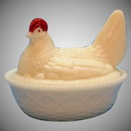 Vintage Westmoreland Hen/Chicken on Nest 1940-70s Good Condition
