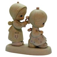 Vintage Porcelain Precious Moments by Enesco 1983 to a Very Special Sister Good Condition