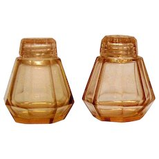 Vintage Pink Glass S&P Shakers 8 Sided Ground Polished Bottoms 1940s Vintage Condition