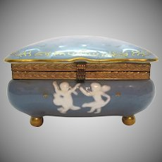 Vintage Porcelain Vanity/Trinket Box Cameo Angels/Cherubs in High Relief 1950s Good Condition