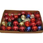 Vintage 31 Plastic Christmas tree Ornaments 1950s Good Condition