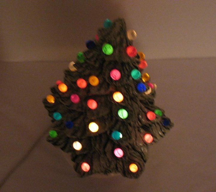 Vintage Ceramic Christmas Tree Faux Plastic Lights Light Up Base 1981 Good Condition