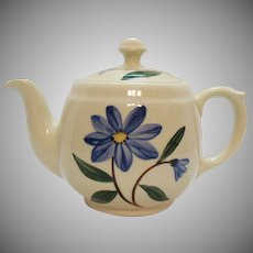 Vintage Shawnee Teapot mid-40s to 1953 Good Condition